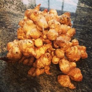 Dagens råvara i Walk through, jordärtsskocka 13kr/hg Pocherad spätta med vitvinssås och broccoli 85kr