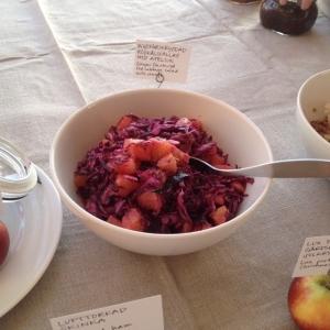 Ingefärskryddad rödkålsallad med apelsin 20kr hg! Dagens husman stekt kyckling med rostad majsrisotto och gröna bönor 115kr! Välkommen!