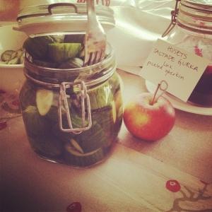 Dagens råvara i walk-through: husets saltade gurka 15 kr/hg. Och oxbringa med rostade rotfrukter och pepparrot, 85 kr! Välkomna!