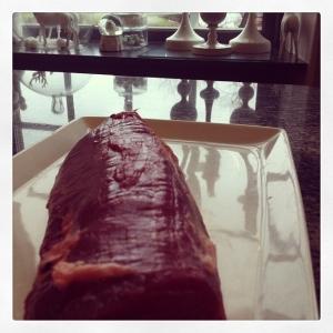 Dovhjortsstek från Sörby slakteri 35:-/hg. Rökt mörbakad fläskkarré med coleslaw och rostad potatis 115:- #take away #walkthrough