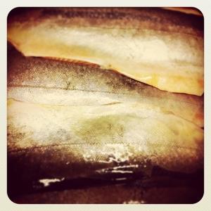 Färsk rödingfilé från Landö 28:-/hg. Hjortfärsbullar med mandelpotatispuré, gräddsås och pressgurka 115:- #takeaway 85:-# #walkthrough