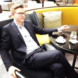 Restaurangchef Erik är med till Hong-Kong för att styra upp i matsalen. I morgon kl 12.00 är det presslunch. #lux #luxdagfordag #hongkong #hotelicon