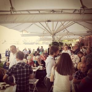 Premiärkväll på verandan! Vilken härlig stämning, tack för de fina vädret. #lux #luxdagfordag #rosevin #svensksommar #sommar