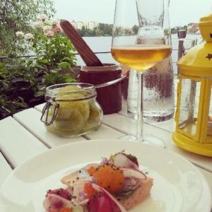 Härlig onsdagskväll på vår fantastiska terrass! #lux #luxdagfordag #vardagslux #sommar