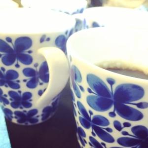 Morgonmöte med kockarna och med det obligatoriska morgonkaffet: Till dagens husman erbjuder vi; Räk & laxfärserad spättafilé med gurksallad och potatis från Bjärred 115:- eller 85:- i WT:en. Välkomna! #luxdagfordag #morgonkaffe #husman  #dagenslunch #walkthrough