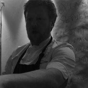 @rams_rms presenterar kvällens meny, inga frågor på det! Tack för mycket god och trevlig middag @rams_rms och @tomsjostedt #gott #trevligkväll #älskafisk