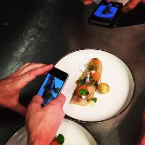 Viktigt med dokumentationen, Farmers Dinner rätterna lagar vi bara just den aktuella kvällen. #luxdagfördag #faremersdinner #lux #lokalt #sik #junköfisk #pelleholmberg