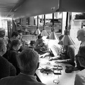 Nu kör vi Farmers Dinner! #farmersdinner #luxdagfördag @sabygardingaro #pelleholmberg #junkö #junköfisk #cheflife