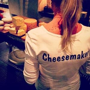 Cheese time! Ystare Elisabeth Andersson från Påverås Gårdsmejeri. #farmersdinner #luxdagfördag #unikrestaurangupplevelse