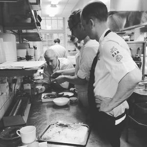 Idag serverar vi bland annat dovhind (skjuten av Henrik Norström) med härliga tillbehör under lunchen. Välkomna! #jakt #dovhjort #fredag