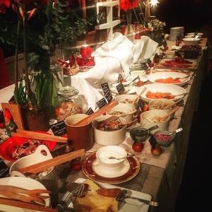 Redo för ännu en kvällsservice #julbord #luxdagfördag #snartärdetjul