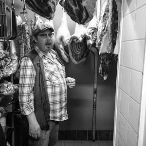 """""""Gårdsbesök"""" hos charkmästare Lasse Dahlén på Millert & Dahlén inför #farmersdinner den 16/6 på @luxdagfordag  #luxdagfördag #farmtotable #lovework #cheflife"""