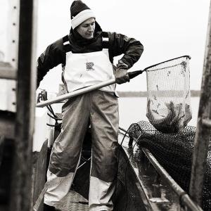 Missa inte LUX Farmers Market på torsdag 16-18!  Utanför restaurangen kommer Ängsö Fisk och Köttbutiken Millert & Dahlén bulla upp med mängder av härliga råvaror. Dessutom kommer vi att sälja ekologiska grönsaker och jordgubbar från Tolby gård. #vardagslux