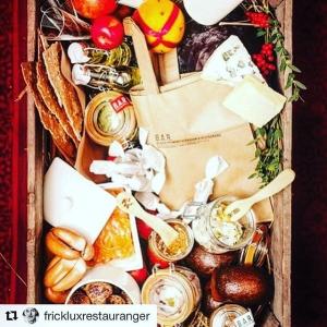 #Repost @frickluxrestauranger with @repostapp ・・・ Sista chansen att säkra en god jul! Innan 24.00 behöver vi er beställning, Julpåsen hämtas på @restaurangbar eller @luxdagfordag 22/12 från 11.30 beställ den på hemsidan under fliken presentkort. #luxrestauranger #luxdagfördag #restaurangbar #jul #julklapp #christmas #food #cheflife